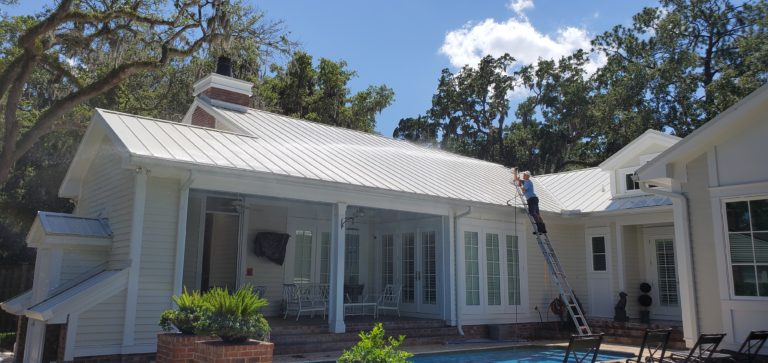 Safe low pressure metal roof cleaning - remove black streaks and algae stains